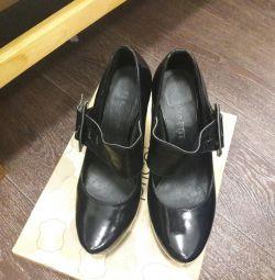 Shoes p. 39