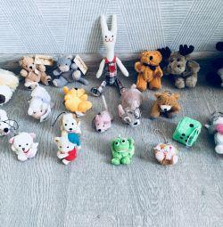Anahtarlıklar oyuncaklar