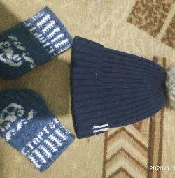 Шапка і рукавиці