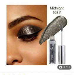 Liquid eyeshadow with glitters