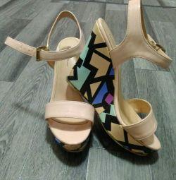 Sandals on the platform r-r36,23cm