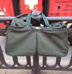 Bag / valiză deasupra umărului din San Marino