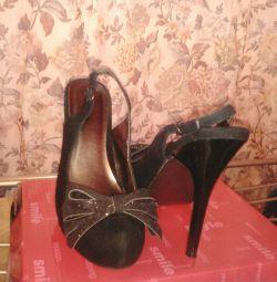 Παπούτσια / σανδάλια