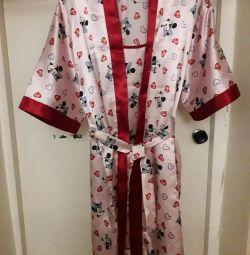 Set (bathrobe and chemise)