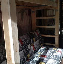 ліжко-горище з повноцінним спальним місцем