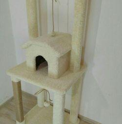 Комплекс для кішок з будиночком, когтеточка