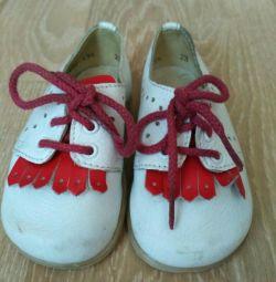 Pantofi cu talpă de 13,5 cm