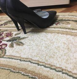 Pantofi cu picioare complete