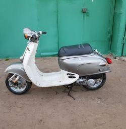 Honda Giorno скутер в ретро стиле