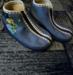 Обувь размер 19.
