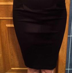 Pencil skirt, size 40-42. New