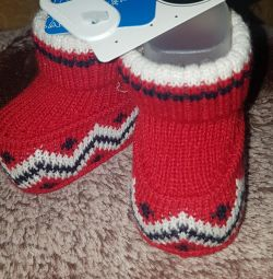 New booties-socks 0-12 months