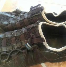 Кроссовки для физ-ры