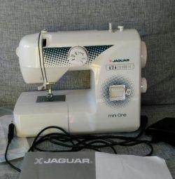 Mașină de cusut JAGUAR