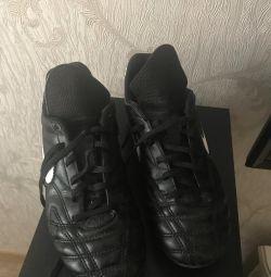 Football Boots 35