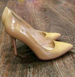 pantofi de tenis