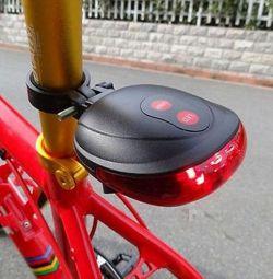 Новый фонарь с лазерной дорожкой.