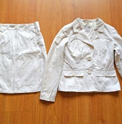 The set is female summer, 42-44 size