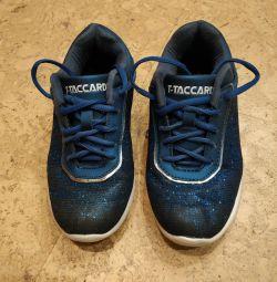 Spor ayakkabı ayakkabı
