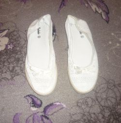 Νέα παπούτσια μπαλέτου