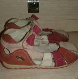 Sandale perlina