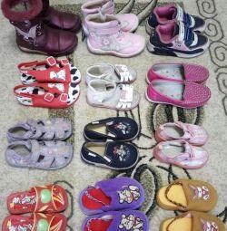 Kızlar için çocuk ayakkabı