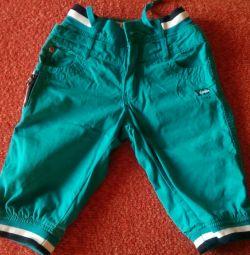 Σορτς - παντελόνι για ένα αγόρι ηλικίας 7-8 ετών