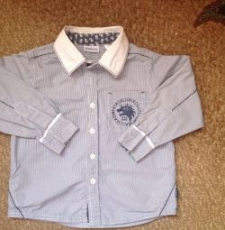 Μοντέρνο παιδικό πουκάμισο