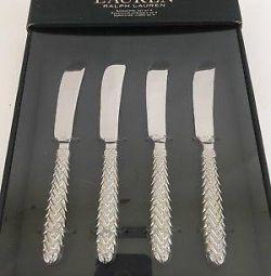 Bir dizi tatlı bıçak ve aletleri Ralph Lauren ev