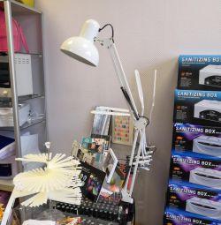 Лампа настольная для маникюра с плафоном
