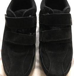Ecco 35 cizme din piele