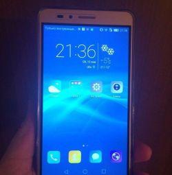 Honor 5x 16g + 32g Samsung flash drive.