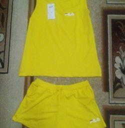 Φωτεινό κίτρινο κοστούμι, ελαφρύ, νέο ...