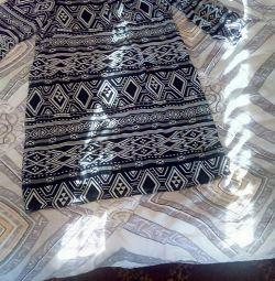 Vand o rochie, imbracata de 1 data