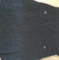 Σχολική φούστα και μπλούζα.
