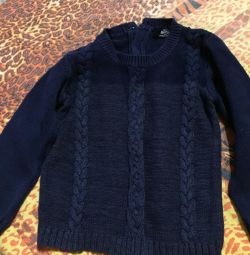 Children's sweaters and pants