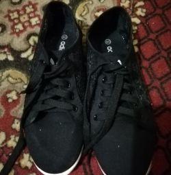 satan ayakkabı