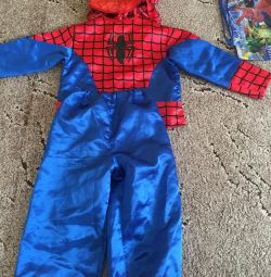 Costumele celor doi copii Spiderman