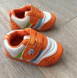 Пінетки-кросівки 0 + 14 розмір