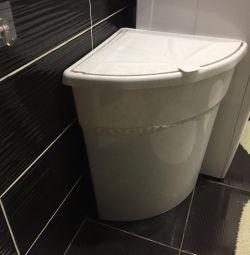 Laundry bathroom basket