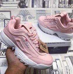 Новые женские кроссовки FILA
