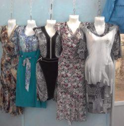 Cazip bir fiyata yeni elbiseler.