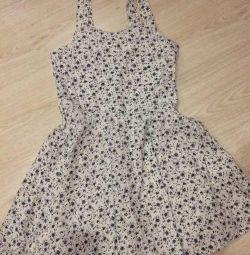 Νέο χαριτωμένο floral φόρεμα