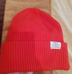 Χειμερινό καπέλο h & m scarlet