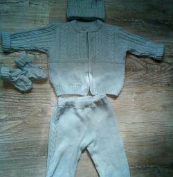 Costum tricotat r. 68