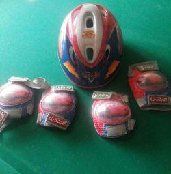 Шлем,налокотники и наколенники с Lightning McQueen