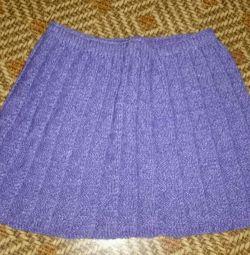 Knitted skirt for girls