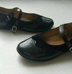 Παπούτσια d / d