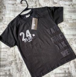 Новая! Стильная футболка (Германия)