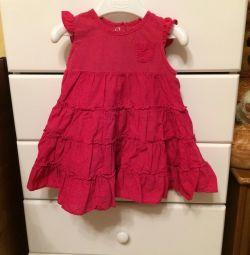 Kız için elbise.